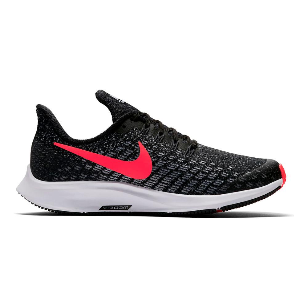 Zapatilla Nike, modelo ACMI